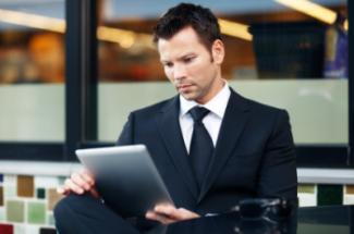 iStock man_with_iPad-web
